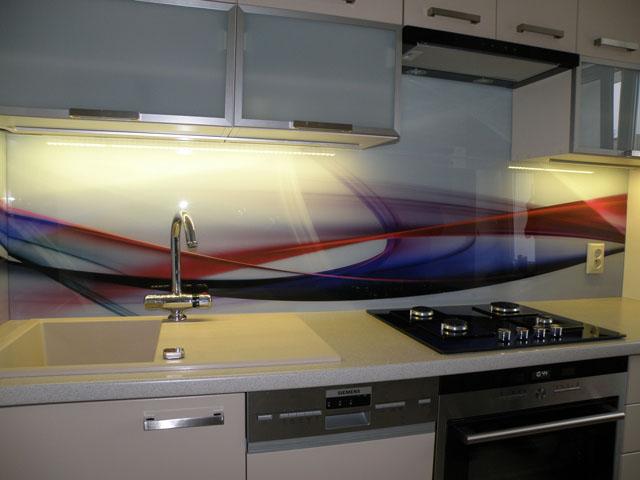 Szklane panele dekoracyjne, fot.: Colour Glass
