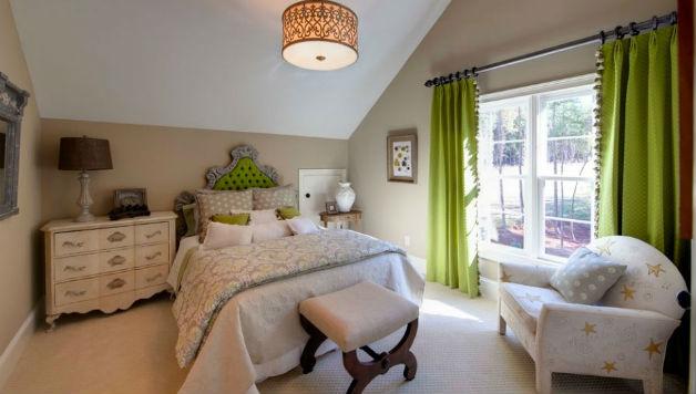 bezowa-sciana-w-sypialni-kerri-robusto-interiors