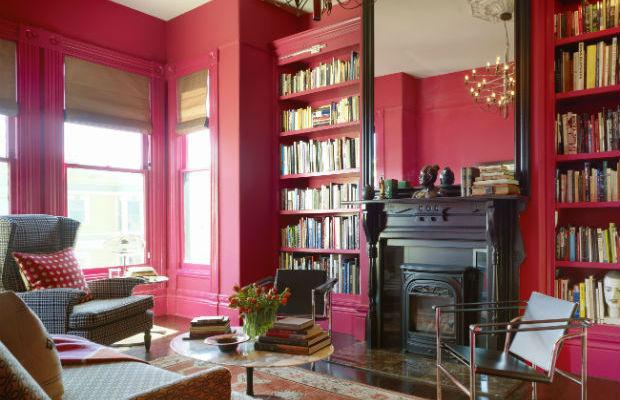 Czerwone ściany we wnętrzach