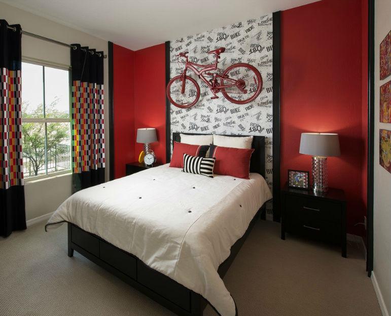 Czerwone ściany we wnętrzach sypialni