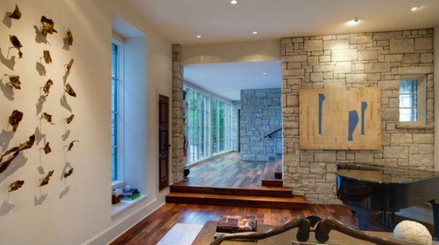 Kamień dekoracyjny na ścianie