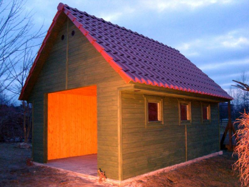 Garaż drewniany budowa