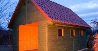 Garaż drewniany – instrukcja montażu i zalety garażu drewnianego