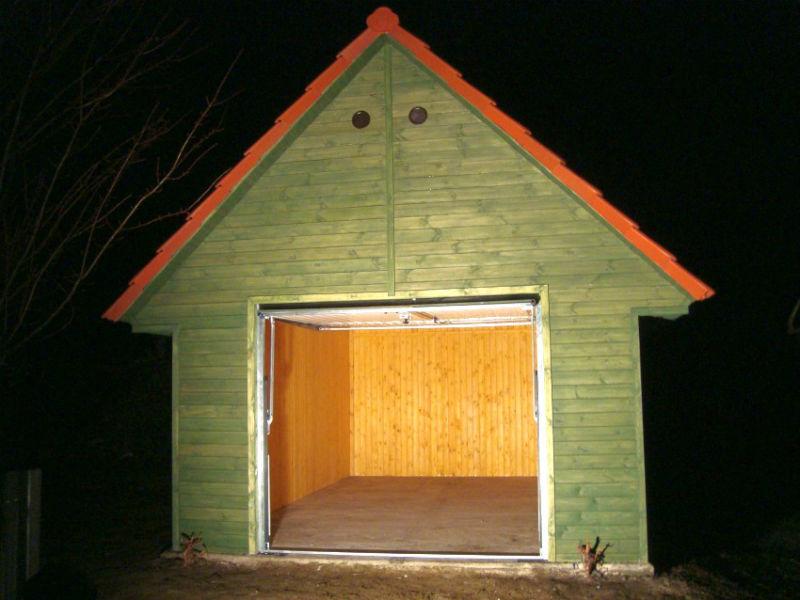 Gotowy garaż drewniany